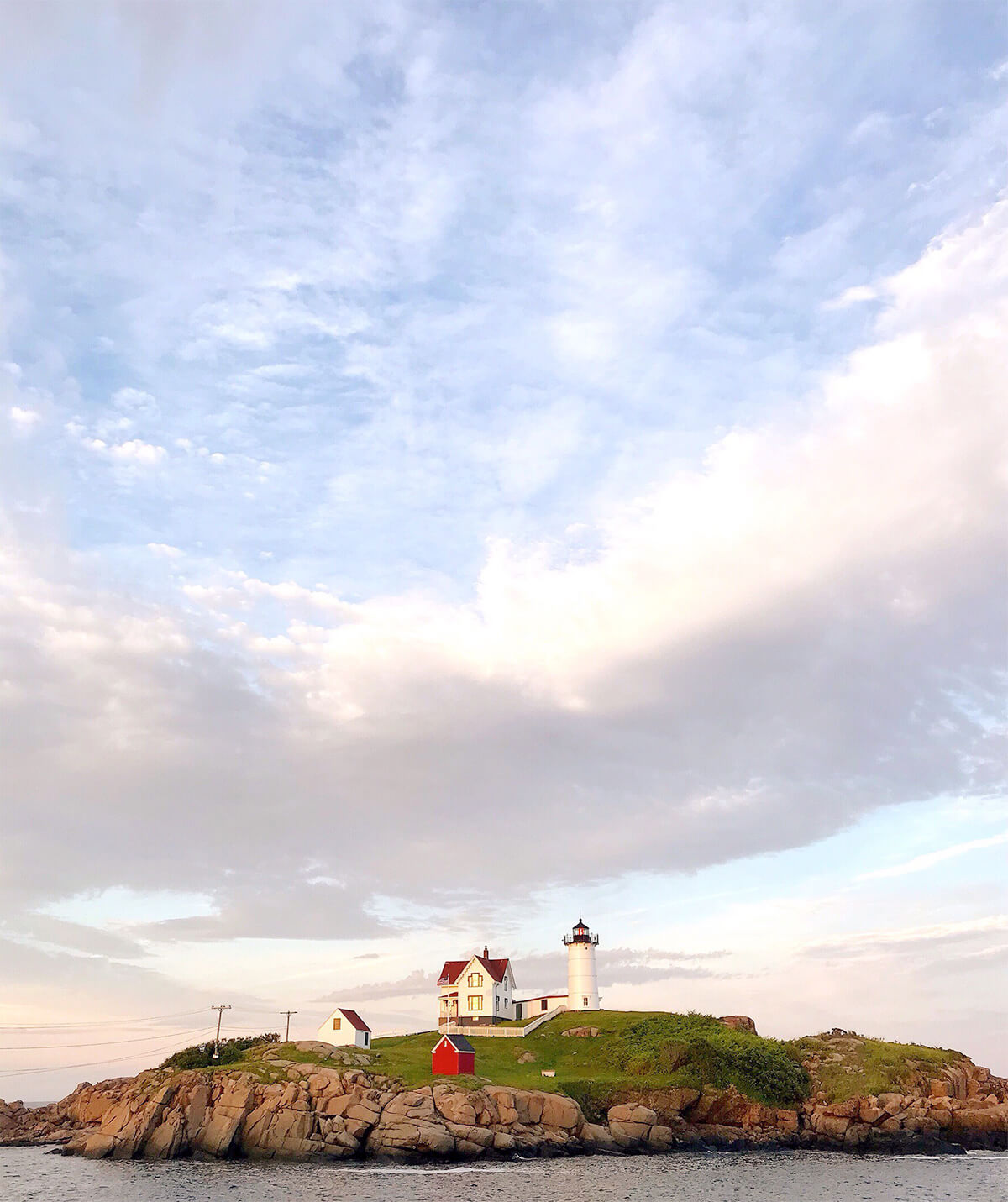 Photo of the Nubble lighthouse in York, Maine