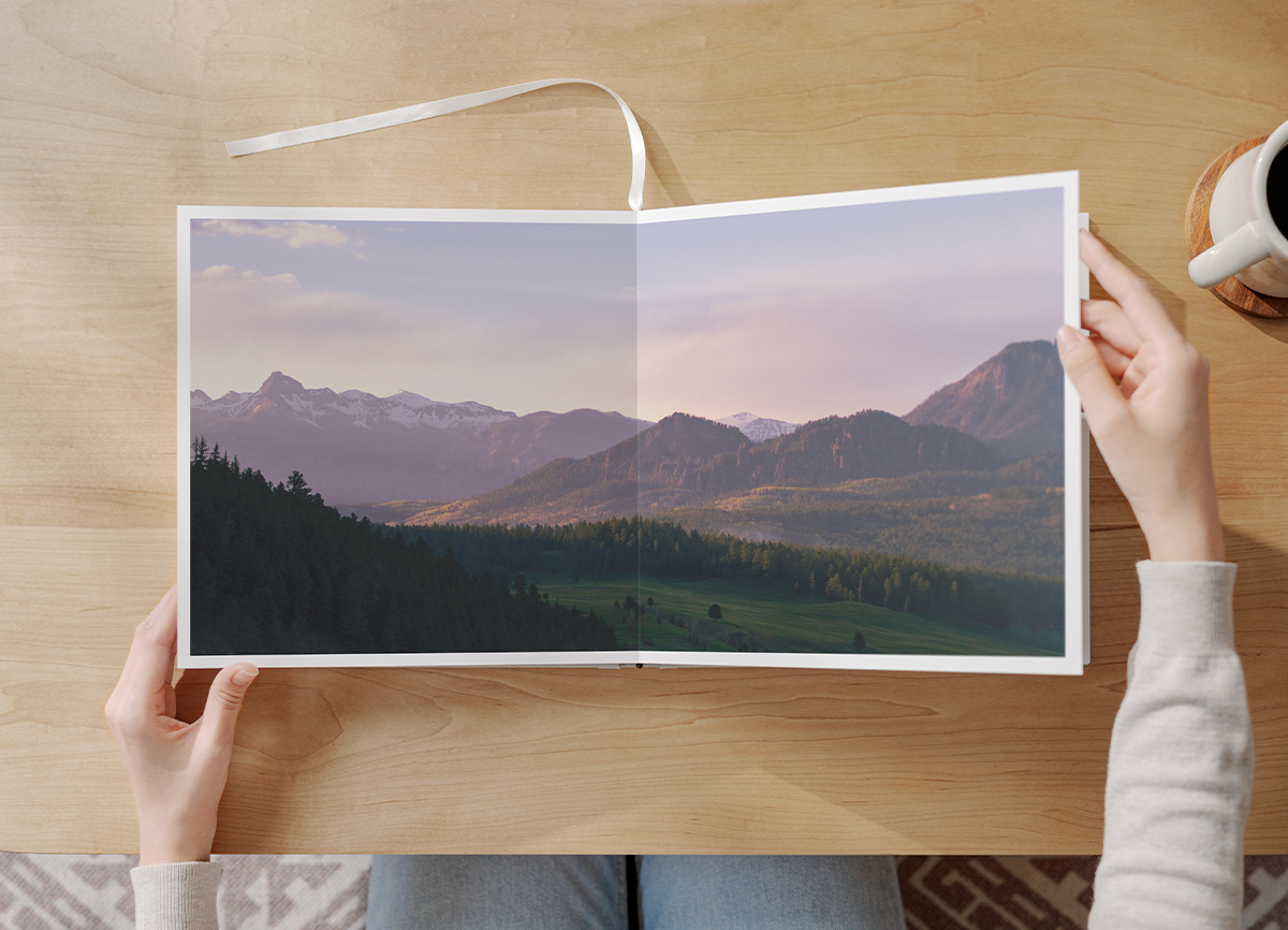 Panoramic two-page photo in flush mount photo album