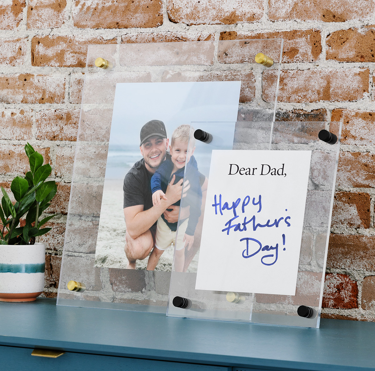 Floating frame with handwritten note for Father's Day