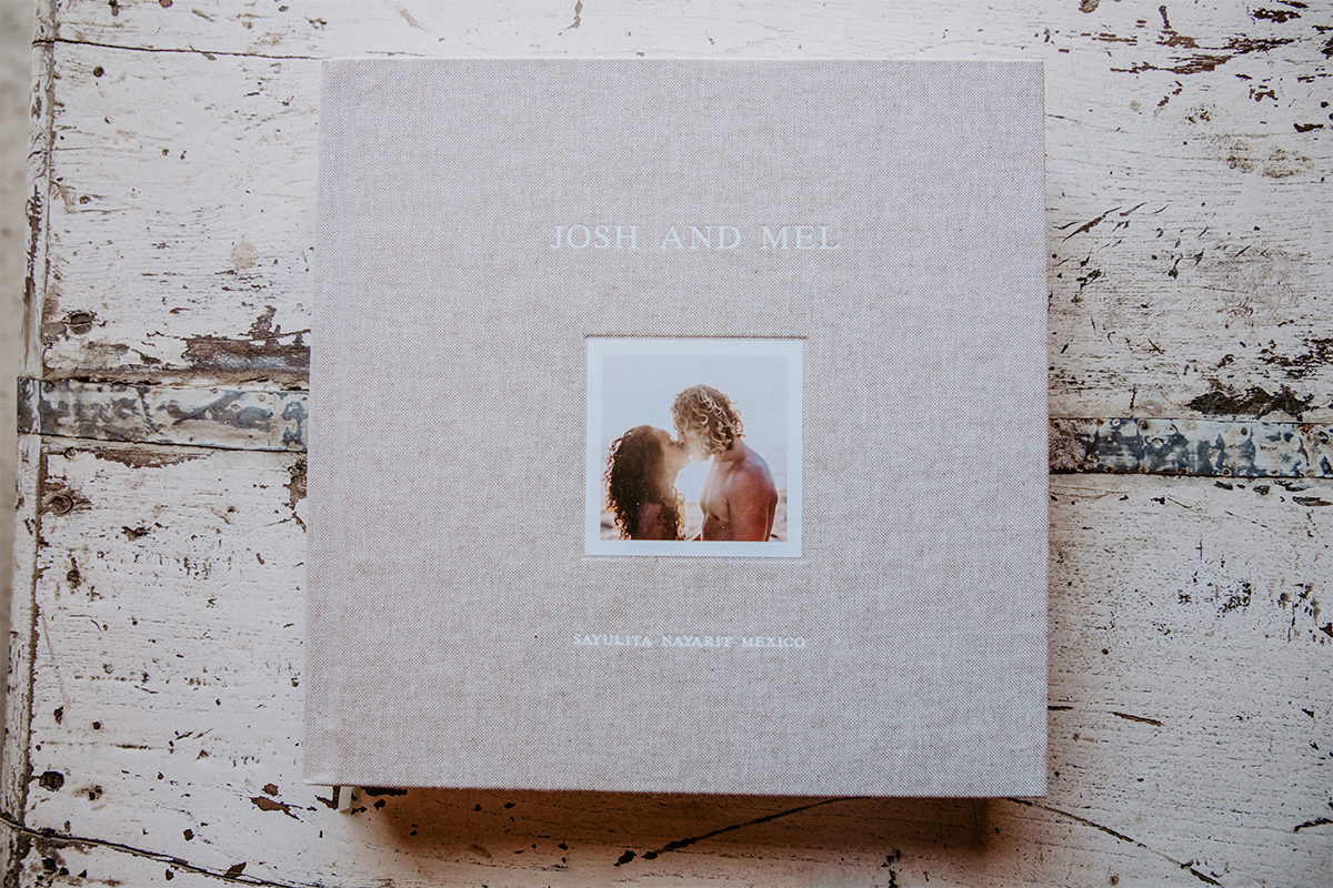 Cover of Signature Layflat Wedding Album